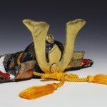 五月人形の兜飾りに込められた意味や人気のもの、兜以外に飾るものはこれ!
